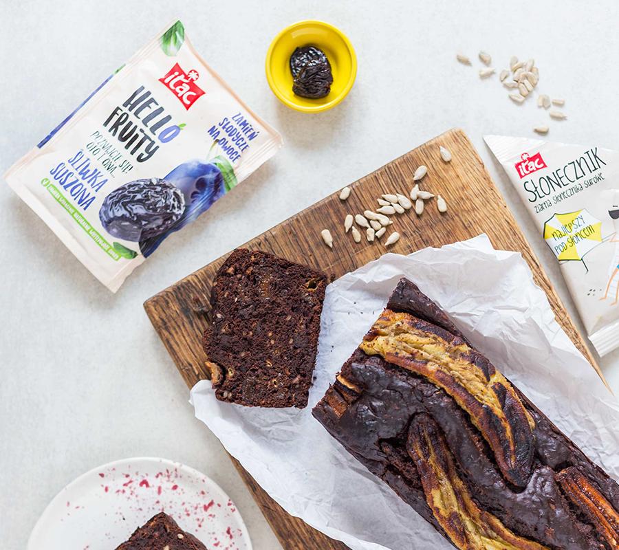 czekoladowy-chlebek-bananowy-slonecznikiem-suszonymi-sliwkami